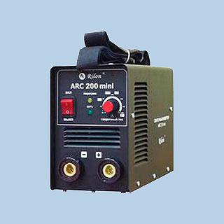 ARC-200 mini в кейсе сварочный инвертор (Rilon)