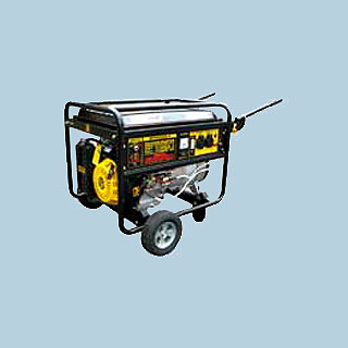 Электрогенератор DY6500LX с колёсами и аккумулятором (бензогенератор)